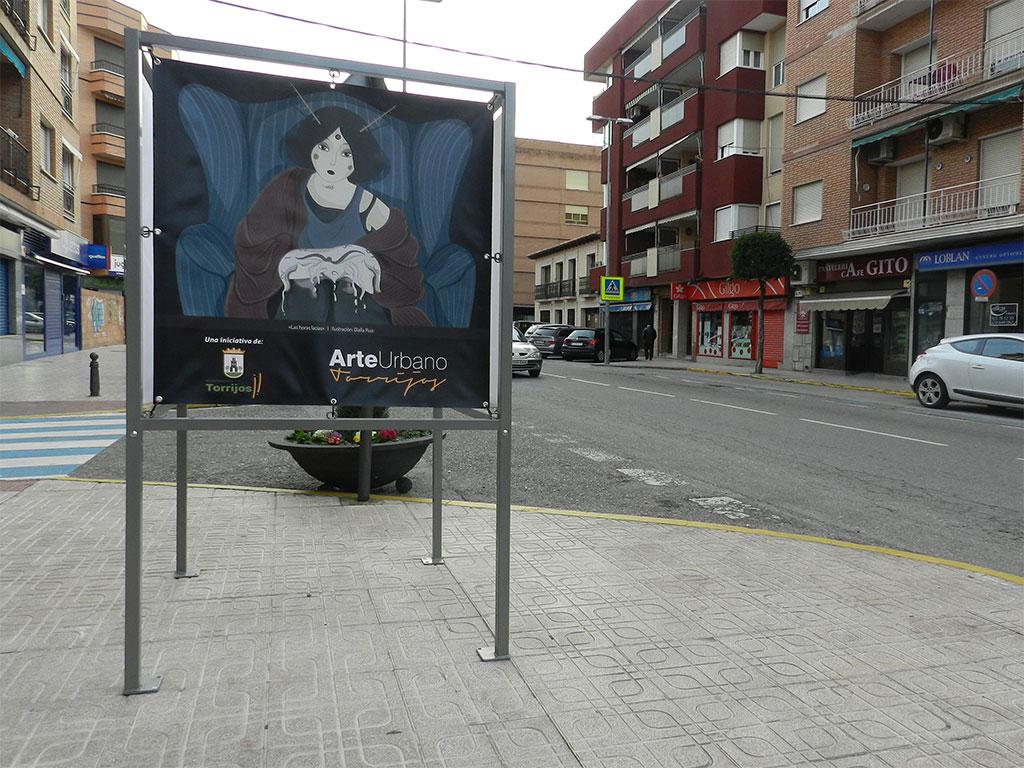 Exposición Arte Urbano en Torrijos, cubo con ilustración Horas Lacias