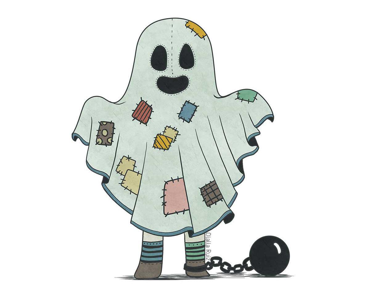 Fantasma cubierto con una sábana de retazos, usa calcetines a rayas de diferentes colores y una bola y una cadena están atadas a su pierna, tiene los brazos levantados para asustar.
